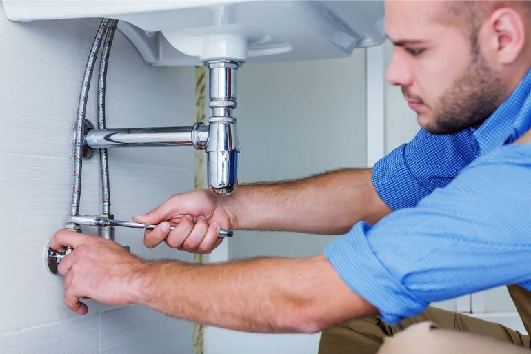6 Questions to Ask Before Hiring a Plumber in Howell
